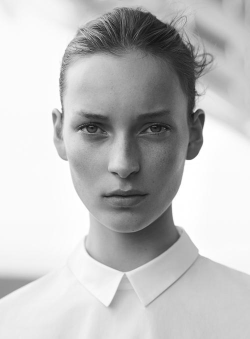 姓名:Julia Bergshoeff职业:MODEL
