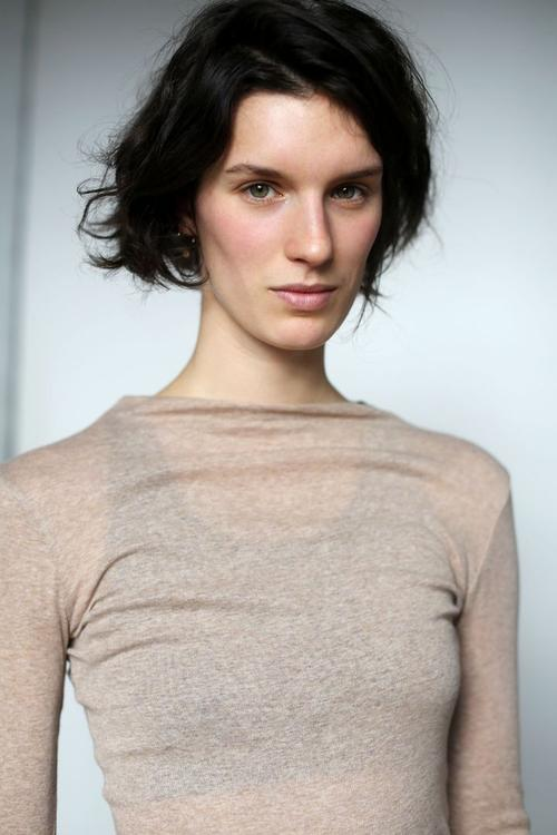 姓名:Marte Mei van Haaster职业:MODEL