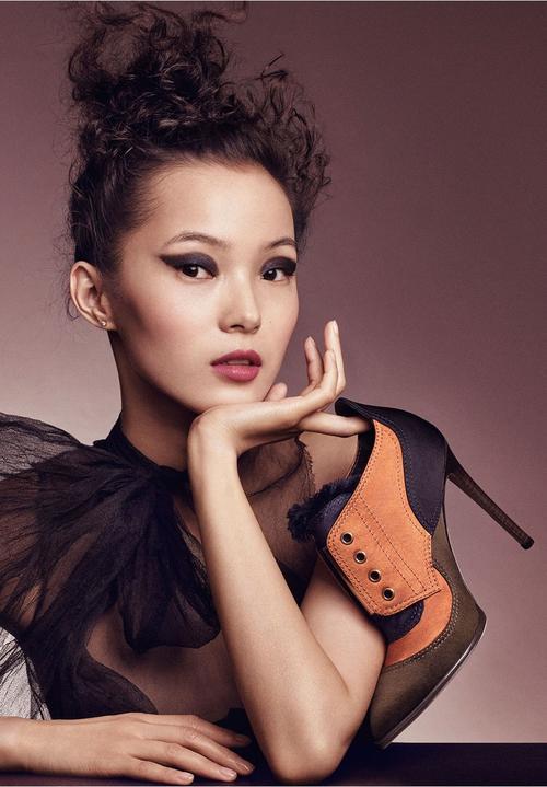 姓名:Xiao Wen Ju职业:MODEL