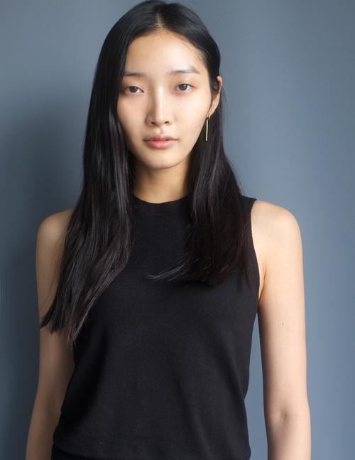 姓名:Jisu Hong职业:MODEL