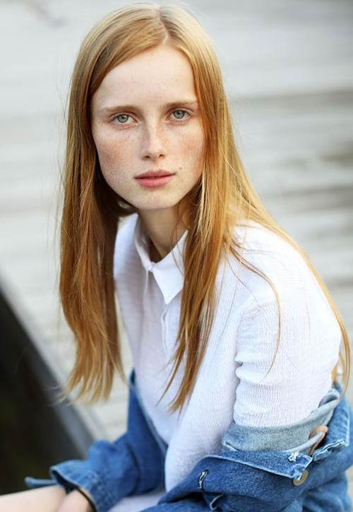 姓名:Rianne van Rompaey职业:MODEL