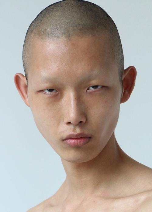 姓名:Xu Meen职业:MODEL