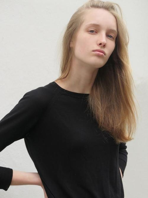 姓名:Kateryna Zub职业:MODEL