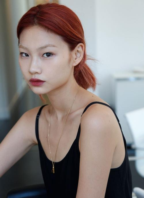 姓名:Hoyeon Jung职业:MODEL