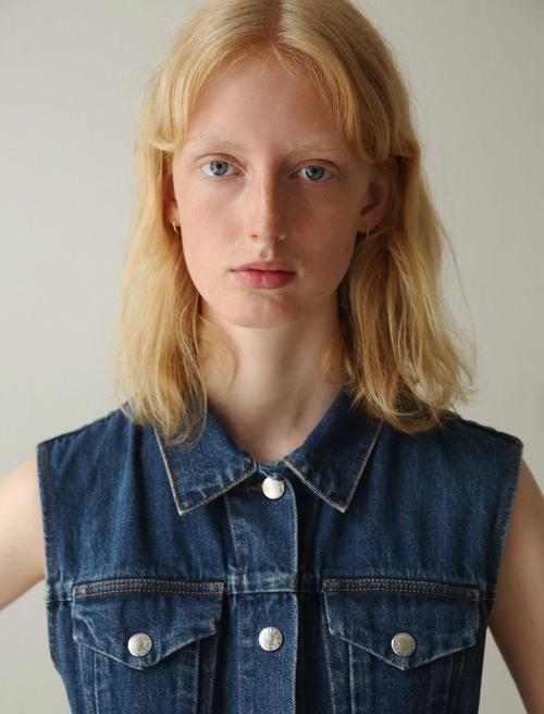 姓名:Laura Hagested职业:MODEL