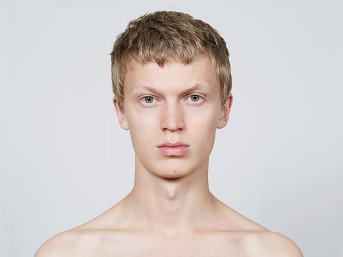 姓名:Jonas Glöer职业:MODEL