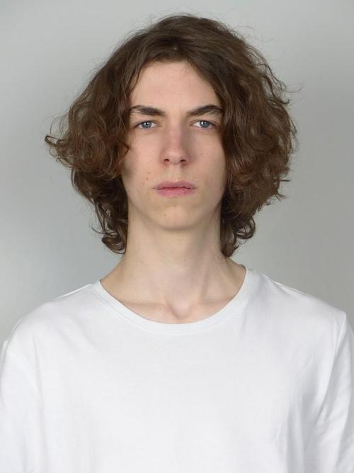 姓名:Oleg Ulrich职业:MODEL