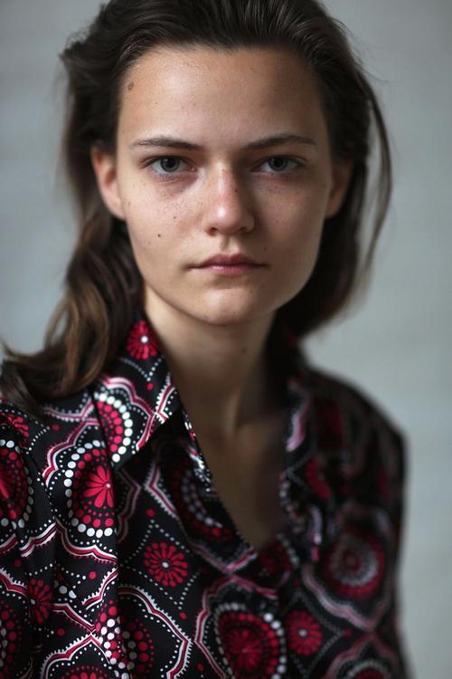 姓名:Rose Daniels职业:MODEL