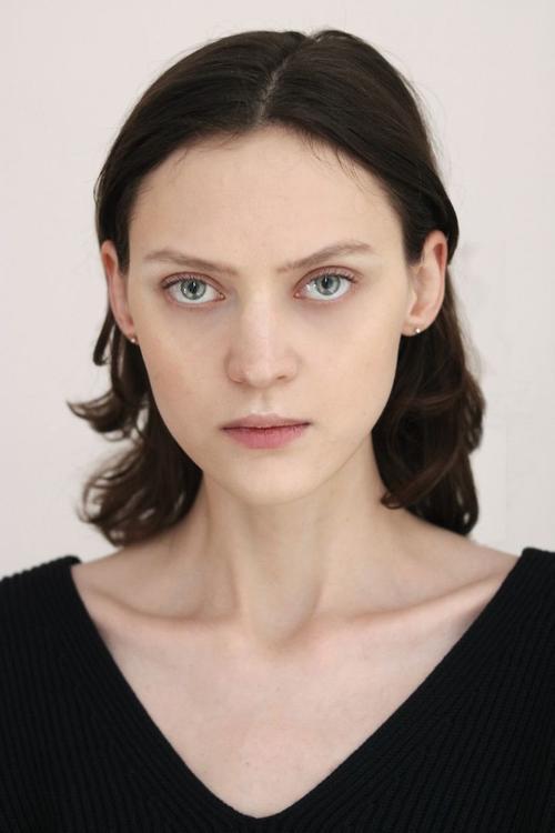 姓名:Svetlana Mukhina职业:MODEL