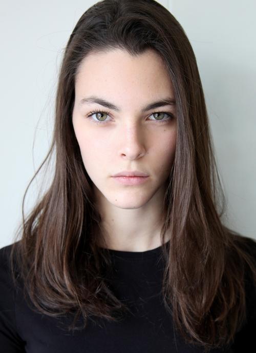 姓名:Vittoria Ceretti职业:MODEL