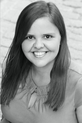 姓名:Anna Katsanis职业:FASHION EDITOR STYLIST