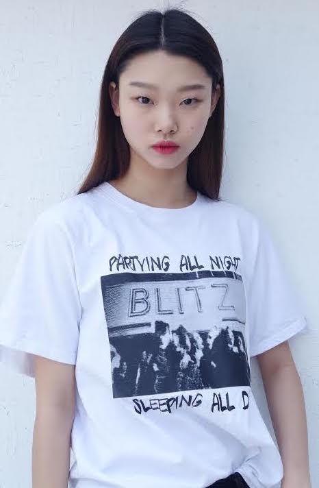 姓名:Yoon Young Bae职业:MODEL