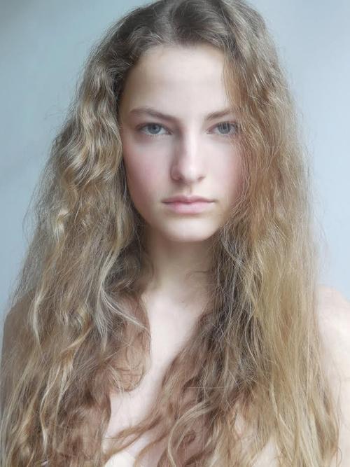 姓名:Felice Noordhoff职业:MODEL