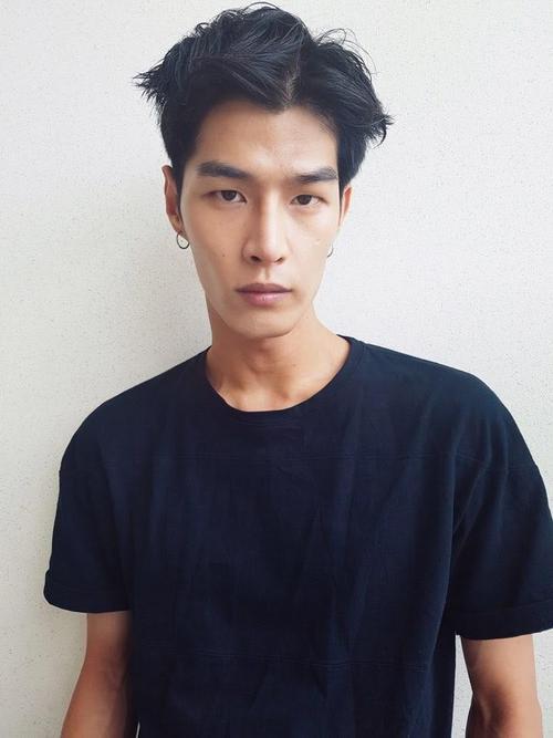 姓名:Tae Eun Bang职业:MODEL