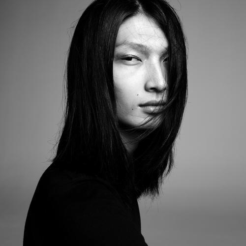 姓名:Zhengyang Zhang职业:MODEL