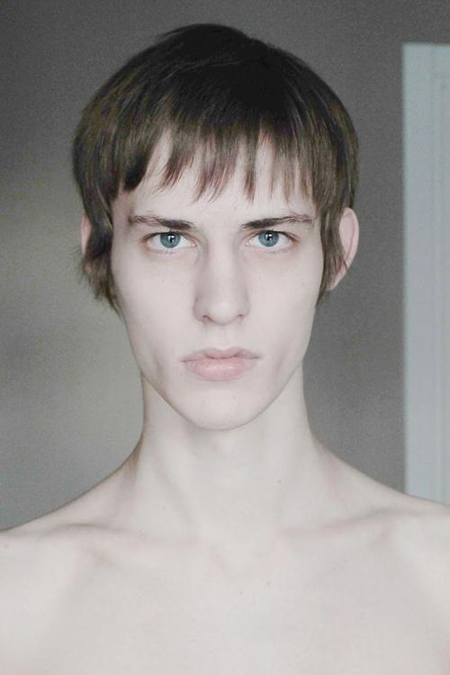 姓名:Nik Pikkas职业:MODEL