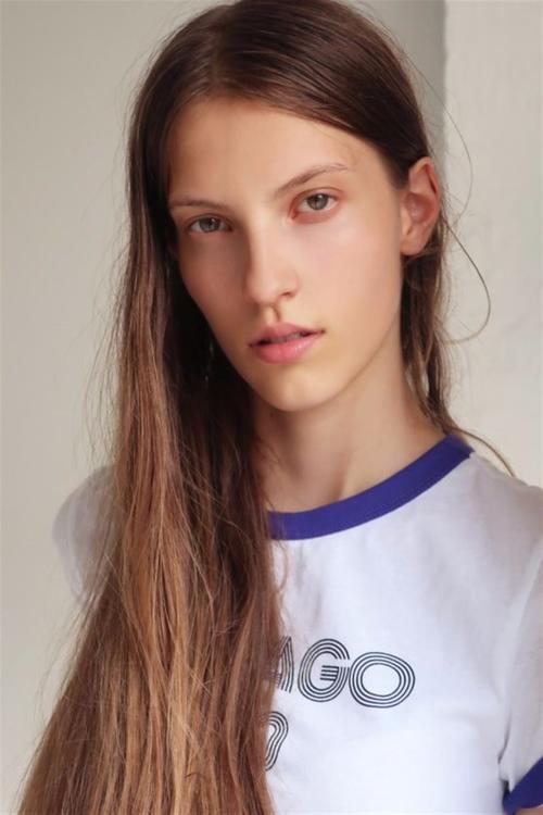 姓名:Silke van Daal职业:MODEL