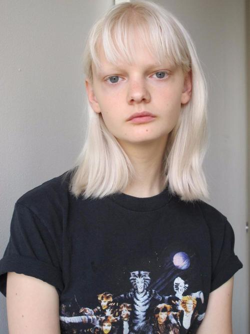 姓名:Unia Pakhomova职业:MODEL